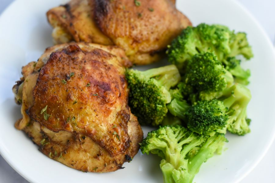 chicken thighs and broccoli